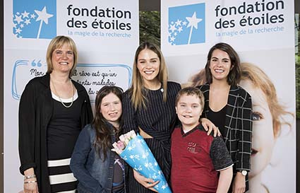 Foundation of Stars, left to right: Josée Saint-Pierre, president and director general; Maripier Morin, spokesperson; Marilie and Samuel, enfants étoile; Marie-Julie Allard, doctoral candidate and recipient of a Foundation of Stars bursary.