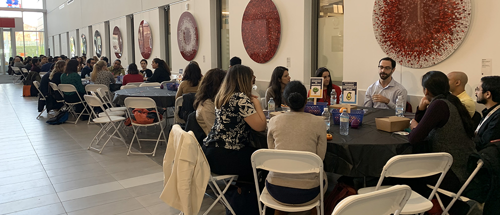 Networking lunch in the RI-MUHC Atrium at Career Day for Research Trainees, November 22, 2019